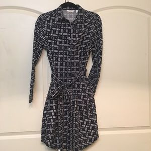 Liz Claiborne - Button up dress with pockets!